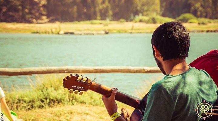 guitarra camping millaco cahuil