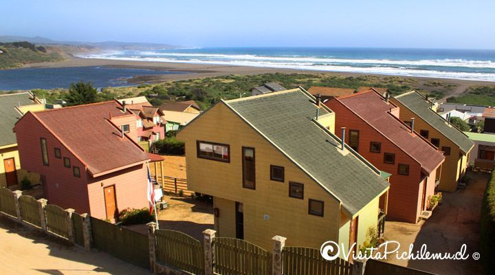 cabins-stone-large-view-to-gap-Cahuil-pichilemu