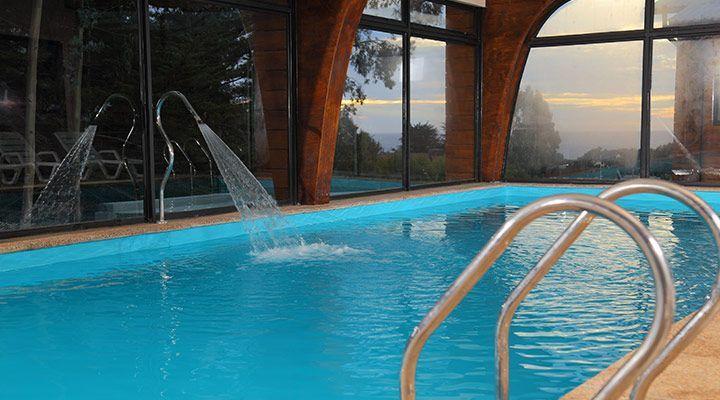 piscina con jacuzzi cabanas costa patagonia pichilemu