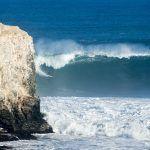 olas gigantes en pichilemu chile