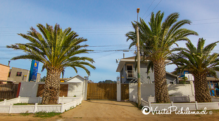 entrada-cabanas-vientos-del-mar-pichilemu